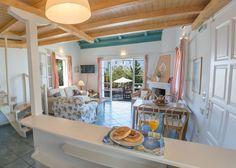 Interior design of villa Kiparissi! Island Life, Islands, Greece, Villa, Dining Room, Table Decorations, Interior Design, Furniture, Home Decor
