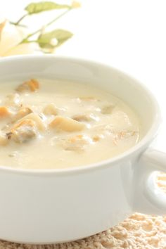 Cauliflower Chicken Chowder - Bariatric Recipes - New Hope Surgical Fish Recipes, Seafood Recipes, Soup Recipes, Cooking Recipes, Dinner Recipes, Clam Recipes, Seafood Dishes, Chili Recipes, Cooking Tips