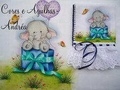 Olá! Mais uma encomenda entregue.. Conjunto de fralda pintada para menino! Cliente escolheu a cor e deixou o motivo a minha escolha......