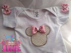 Body customizado da Minnie! Um luxo! - YouTube Sewing For Kids, Baby Sewing, Beaded Embroidery, Embroidery Designs, Baby Romper Pattern, Hand Embroidery Tutorial, Diy Home Crafts, Baby Sweaters, Baby Accessories