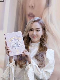 [ 161214 ] Jessica - 'WONDERLAND' Fansign @ IFC Mall - Soshitoons