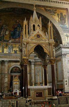 Arnolfo diCambio,  Ciborio nella Basilica di San Paolo fuori le Mura, Roma (fotografia di Franco L. 2005)