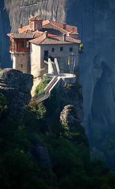 - Rossanou-Kloster, Meteora, Griechenland… in 2 Places Around The World, The Places Youll Go, Places To See, Around The Worlds, Meteora Klöster, Beautiful World, Beautiful Places, Place Of Worship, Greece Travel