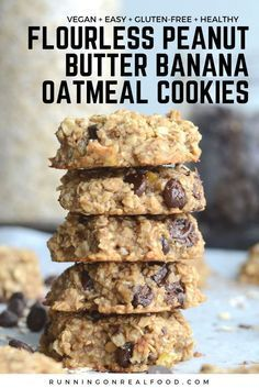Keto Snacks Discover Flourless Peanut Butter Banana Oatmeal Cookies (Vegan) These healthy flourless peanut butter banana oatmeal cookies require just 3 ingredients! Add chocolate chips for a yummy treat! Vegan and gluten-free. Healthy Sweets, Healthy Dessert Recipes, Whole Food Recipes, Ripe Banana Recipes Healthy, Healthy Desserts With Bananas, Overripe Banana Recipes, No Sugar Desserts, Healthy Snacks, Clean Eating Desserts