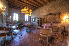 breakfast room at Glamping Canonici di San Marco   sumptuous chandelier !