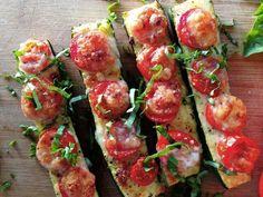 Zuchinni Recipes, Zucchini Pizzas, Healthy Cooking, Healthy Eating, Healthy Pizza, Olives, Real Food Recipes, Healthy Recipes, Mozzarella