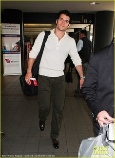 Henry-Cavill-Arriving-for-a-Flight-at-LAX-February-11-2012-24 by The Henry Cavill Verse, via Flickr