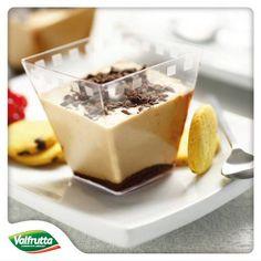 Oggi lo #ChefValfrutta ha una sorpresa per i più piccoli: una #merenda #golosissima! Ok, avete ragione, è piuttosto golosa anche per chi è già cresciuto... :)  http://www.valfrutta.it/ricette/coppa-melabanana-al-cioccolato  Buona #merenda a grandi e piccini!