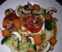 Schafskäse im Varoma mit Gemüse (besser als auf dem Grill)