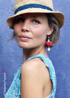 Pompon earrings ! Ethnic chic statement earrings, with tassels, coco, opaline and cowries.  Available in my shop.  © Natacha Fayard