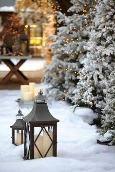 #christmas decoration outside