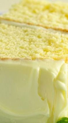 How To Make This Lemon Drop Cake. Lemon Cake At It's Best I really love the name of this lemon cake ,lemon drop cake it sounds so cool and delicious sounding that I just had to share this amazing cake recipe with you all , it is … 13 Desserts, Lemon Desserts, Lemon Recipes, Delicious Desserts, Dessert Recipes, Yummy Food, Lemon Cakes, Top Recipes, Family Recipes