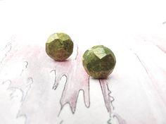 Geo olive green ear stud/ clay stud earrings in by CloudPearls, €8.90