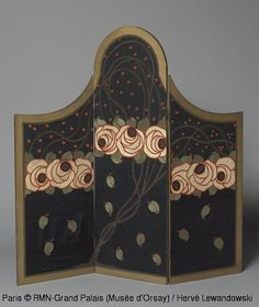 Atelier Martine, Screen with three leaves, Circa 1912, Appliqué embroidery on silk, painted wood, H. 143,8; W. 147,5 cm