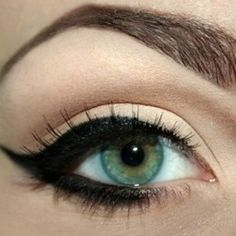 such a beautifully dramatic cat eye. note: don't go all the way to the inner corner of the eye!