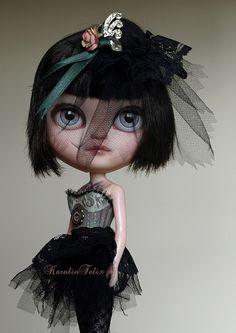 Burlesque - custom Icy doll, Blythe's sister by karolinfelix, via Flickr