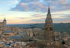 Guide to 7 of the best day trips from Madrid. Fast and cheap trains from Madrid to Aranjuez, Toledo, El Escorial, Cercedilla, Ávila, Córdoba, and Segovia.