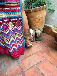 Fashion&Fun in Barcelona with Vivo Soul - onibizaclouds Bohemian Rug, Cool Style, Barcelona, Crochet, Fun, Decor, Fashion, Crochet Jacket, Needlepoint