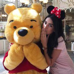 """""""OMG! Alguém me beliscaaaaa! Não acredito que conheci todos os personagens do Pooh ❤️☺️ #bncviaja #forçafocoeflorida"""""""
