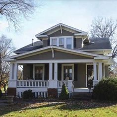 Classic bungalow in Old Lee's Summit, MO, from our 2010 Best Old House Neighborhoods. | Photo: Courtesy of Downtown Lee's Summit Main Street, Inc. | thisoldhouse.com