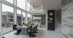 Cube-mallisto - Honkatalot - Yksilölliset talopaketit Living Area, Cube, Conference Room, Dining, Inspiration, Furniture, Home Decor, Houses, Google Search