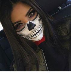 Skull Face Halloween Makeup # Skull Skull face Halloween make-up up Halloween Makeup Skull, Visage Halloween, Sugar Skull Halloween, Halloween Makeup Looks, Up Halloween, Halloween Outfits, Skull Face Makeup, Pretty Halloween, Halloween Costumes