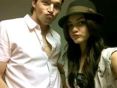 Ian Harding and Lucy Hale.definitely some beautiful people! Pretty Little Liars Netflix, Preety Little Liars, Ezra And Aria, Pretty People, Beautiful People, Laura Leighton, Ezra Fitz, Ian Harding, Cody Christian