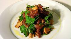 Edible Menu: Spinach Salad w/ Caramelized Onion, Mushroom, & Bratwurst Vinaigrette Food Words, Bratwurst, Spinach Salad, Caramelized Onions, Chorizo, Kung Pao Chicken, Soup And Salad, Vinaigrette, Soup Recipes