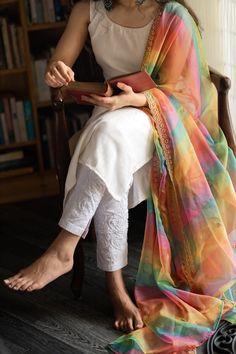 Simple Kurti Designs, Salwar Designs, Kurti Designs Party Wear, Stylish Dress Designs, Designs For Dresses, Saree Blouse Designs, Casual Indian Fashion, Indian Fashion Dresses, Indian Outfits