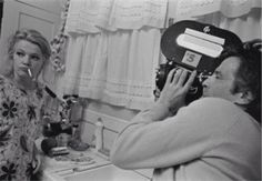 Gena Rowlands on the set of 'A Woman under the Influence' directed by John Cassavetes, 1974 Gena Rowlands, Anna Karina, Marlene Dietrich, Martin Scorsese, John Wayne, New Wave Cinema, John Cassavetes, Werner Herzog, Film School