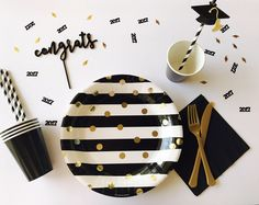 Graduation Party, Graduation Plates, Graduation Party Decorations by SPSweetCreations on Etsy https://www.etsy.com/listing/523297303/graduation-party-graduation-plates