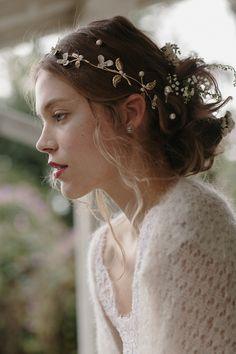 Romantic Bridal Hair Piece Trends