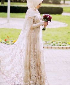 dress Muslimah Wedding Dress, Muslim Wedding Dresses, Muslim Brides, Bridal Dresses, Wedding Gowns, Wedding Cakes, Muslim Girls, Muslim Women, Maxi Dresses