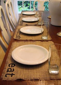 Easy Burlap Place-mats