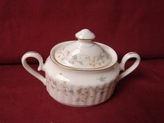Mikasa China dinnerware  Melinda, Pattern  Covered Sugar Bowl