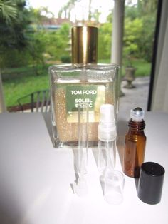 2c617267b6f2d5 TOM-FORD SOLEIL BLANC SHIMMERING BODY OIL TRAVEL VIAL Choose 1.5 ml 3 ml or