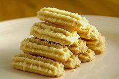 Eggnog biscuit - Eierlikör Spritzgebäck, a very delicious recipe from the category biscuits & cookies. Biscuit Recipe, Cookies Et Biscuits, Shortbread Biscuits, German Cookies, German Baking, Nutella Cookies, Keks Cookies, Yummy Food, Tasty