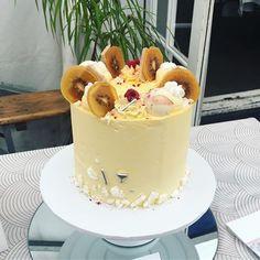 29 Likes, 0 Comments - Floss Cakery White Chocolate Cake, Lemon Curd, Celebration Cakes, Vanilla Cake, Birthday Cake, Cupcakes, Videos, Desserts, Photos