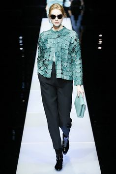 Giorgio Armani Fall 2015 RTW Runway – Vogue