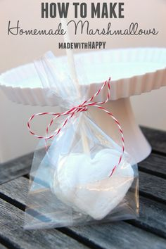 How to make homemade marshmallows | Fun and HAPPY large marshmallows, perfect for a hot cup of cocoa!