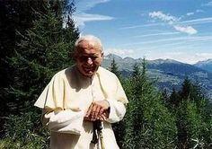 PAPA JUAN PABLO II en la montaña