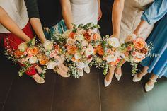 Roses pastel bride & bridesmaid bouquet by @maryme.eventos #maryme #maevoucasar #weddinplanner #destinationwedding