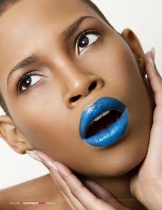Like the look, amazing contrast with brown skin and bright blue lipstick. Lip Makeup, Makeup Tips, Beauty Makeup, Makeup Ideas, Free Makeup, Makeup Inspiration, Bold Lipstick, Lipstick Art, Pink Lipsticks