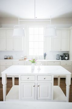 Kitchen Tour {#TNChateauFH} - Fashionable Hostess | Fashionable Hostess