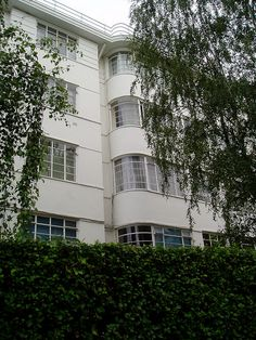 Art Deco mansion block of flats, 1920s, Haverstock Hill, Belsize Park, north London     http://www.timemart.vn/305/p/356042/may-tap-co-bung.html    http://www.timemart.vn/