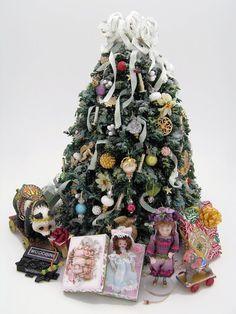 miniature - Google Search Miniature Christmas Trees, Christmas Minis, Merry Little Christmas, Winter Christmas, Xmas, Christmas Decorations, Christmas Displays, Holiday Decor, Tiny World