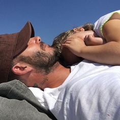 Pin for Later: 62 Beckham Family Moments That Are Just OK and Won't Make You Envy Them at All In August 2016, David took an adorable, sunny nap with Harper.