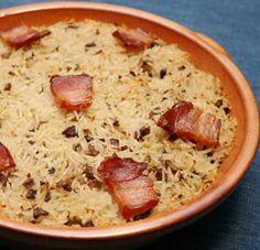 arroz de frango no forno Uma receita que aproveita sobras de frango guisado ou estufado