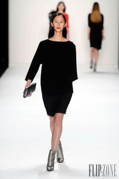 Laurèl Fall-winter 2013-2014 - Ready-to-Wear - http://www.flip-zone.com/fashion/ready-to-wear/ready-to-wear-brands/laurel-3453