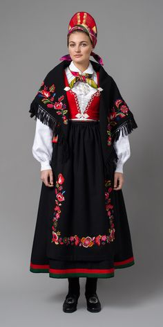 """Vest-Agder bunad"" with red waist, black skirt and embroidered apron from Vest-Agder, Norway Norway Clothes, Costumes Around The World, Frozen Costume, Folk Costume, Kristiansand, Traditional Dresses, Dance Wear, Female, Barn"